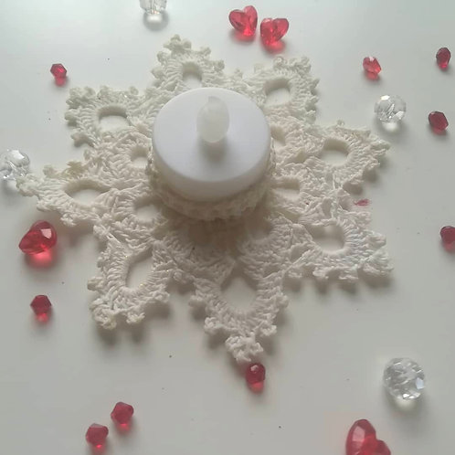 Snowflake tealight holder in crochet l