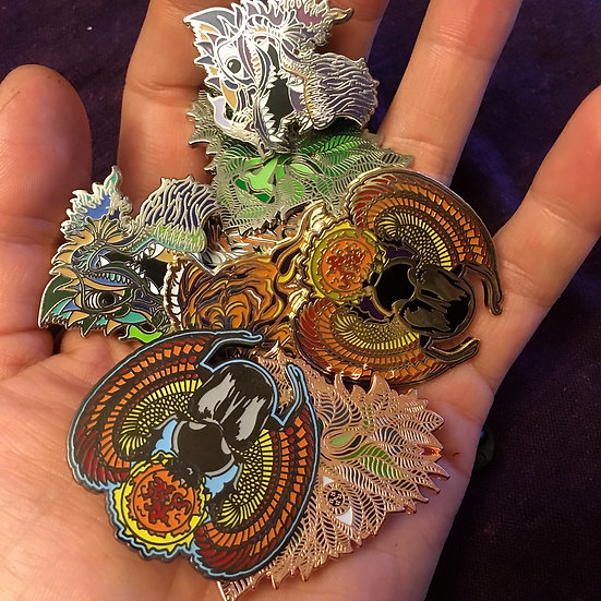Annie Bee's new art pin set - limited
