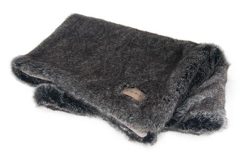 EXCLUSIVE Blanket