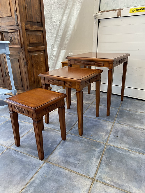 American cherry nest of 3 tables (biggest