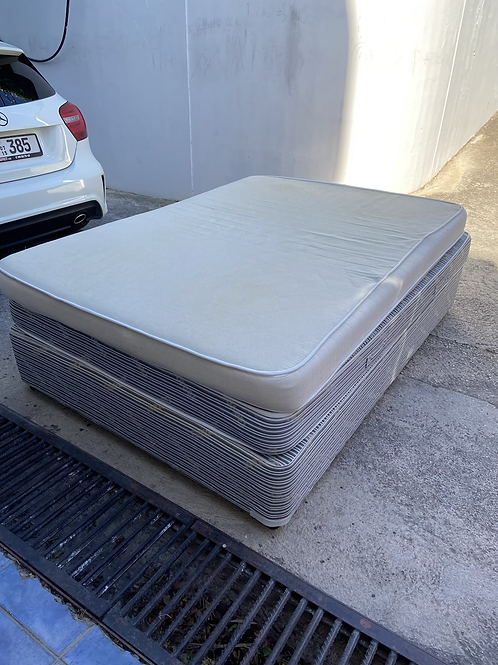 """4'6"""" double divan bed with mattress €80 or €120 with mattress and thick topper"""