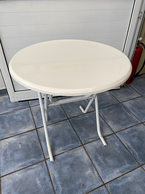 Foldable white table €25 each (we have 2)
