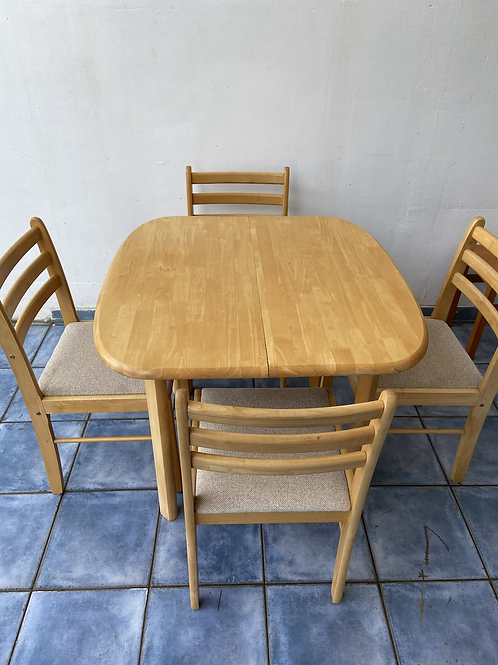Lovely heavy pine extendable dining table and 4 chairs