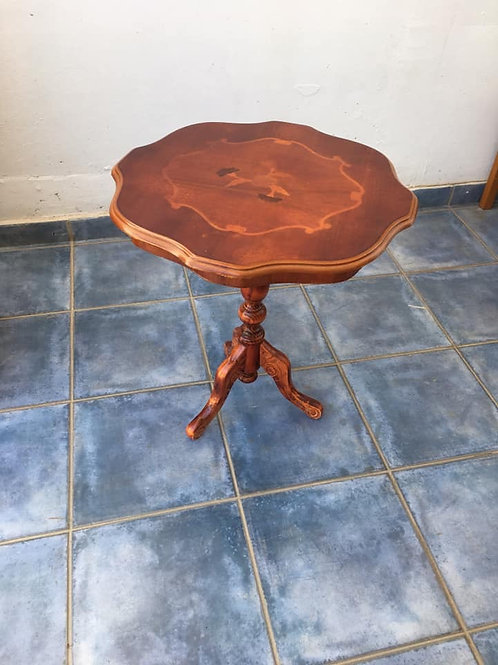 American cherry occasional table with lovely detailed inlay
