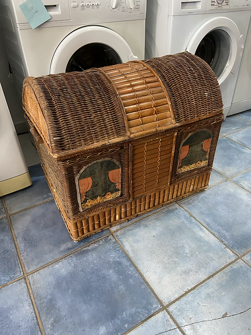 Large wicker chest (some damage shown in pics)