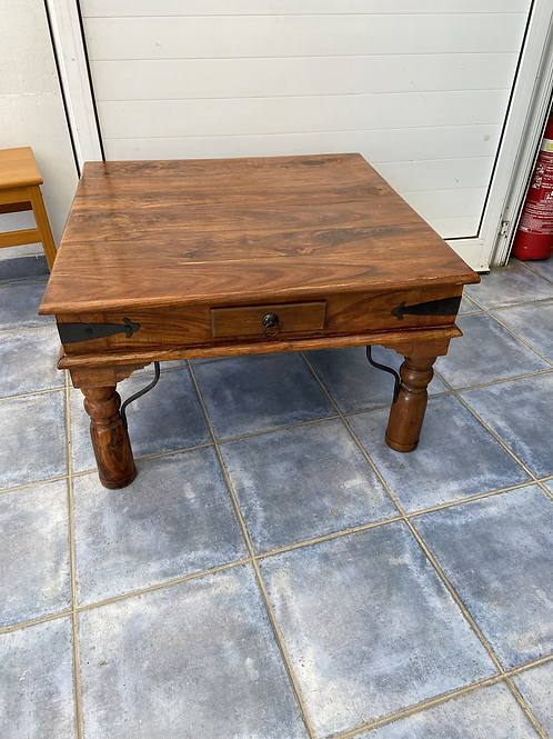 Indian wood coffee table with 2 small drawers