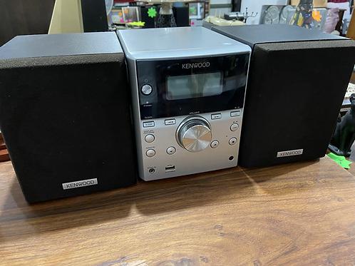 Fabulous sounding Kenwood stereo system