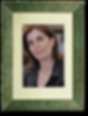 Esther Shaya, hotelier van beroep, is in haar vrije tijd archief-onderzoekster en schrijfster van korte verhalen.
