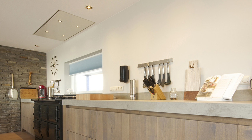 Prachtige inbouwspots in de keuken met een goed lichtplan van De Lichtplanners.