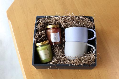 朝起きるのが楽しみになる無添加ジャム(ピスタチオ・りんごクランベリー)と萩焼カップ(ブルー・グレー)のギフト