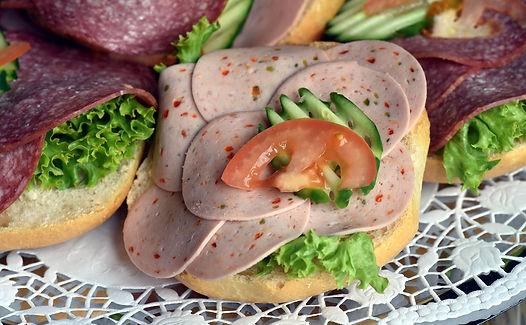 sausage-3502769_1920 (1).jpg