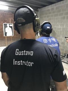 Curso de tiro defensivo no CTI