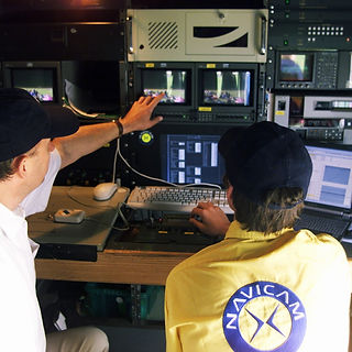MH and Gary operating dps0217au1173 - Copy (2).jpg