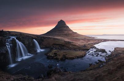 Land of dreams  / Kirkjuffel