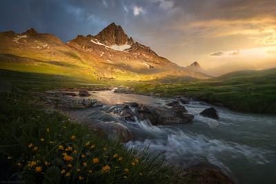 The peaceful valley / italian Alps