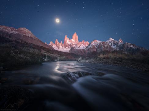 Moon light flow / Fitz Roi