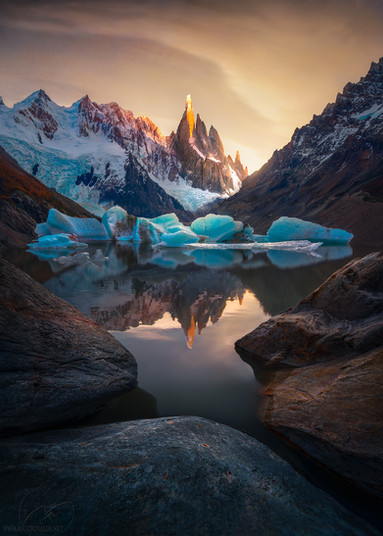 At the edge of the World / Patagonia / cerro torre