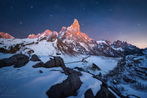 Summit celebration / Dolomites