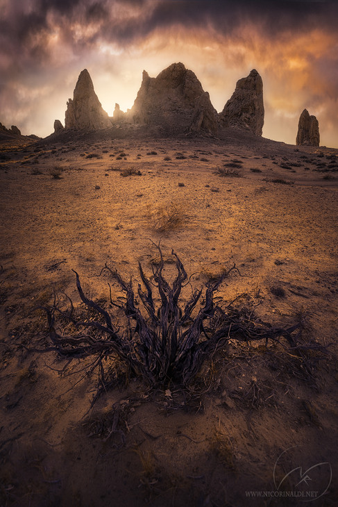 The gates of hell  /  Trona Pinnacles