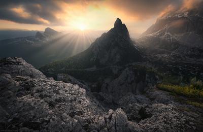 Majestic Kingdom / Dolomites