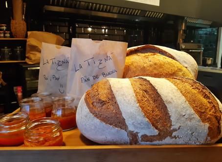 VUELVE AL PUEBLO.                             Vuelve a comer pan auténtico.