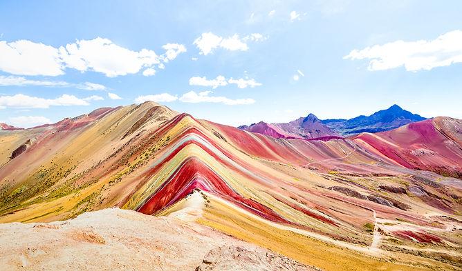 panoramic-view-rainbow-mountain-vinicunc