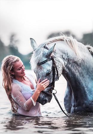 Bad mit Pferd