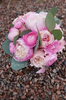 Букет невесты розовый из пионов
