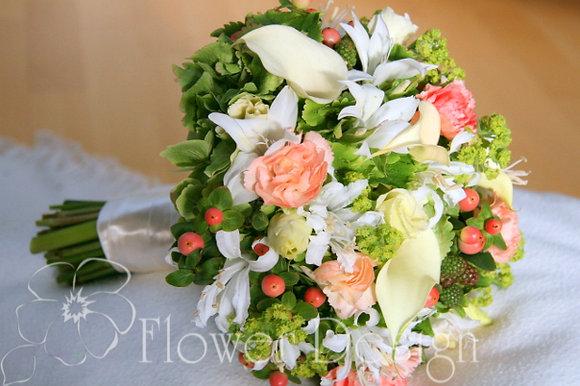 Букет невесты белый