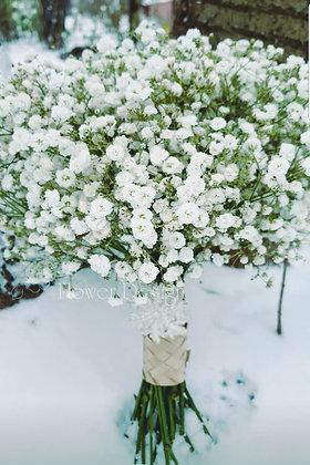 Букет невесты белый из гипсофилы