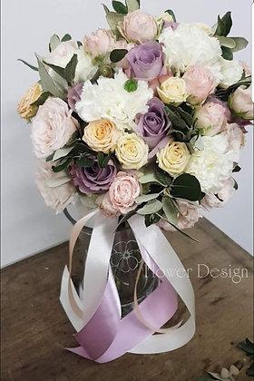 Букет невесты из 3-хвидов роз