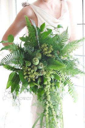 Букет невесты зеленый с пышной зеленью папоротника