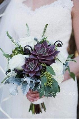 Букет невесты с белыми розами и суккулентами