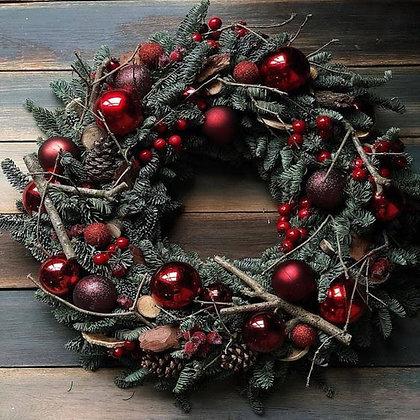 Венок новогодний из живой хвои