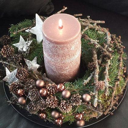 Новогодний венок со свечой