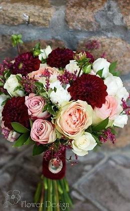 Букет невесты осенний бордовый