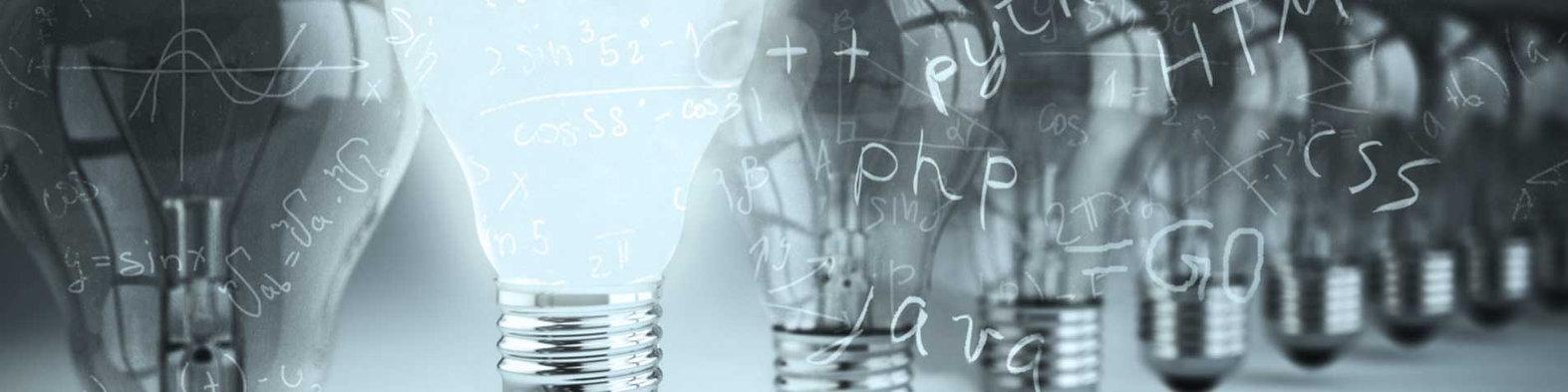 Headerbild der Jobanzeige (Junior) Scientist/ Engineer Machine Learning (m/w) bei der IT-Firma TECXIPIO in Karlsruhe. Zu sehen ist eine hell leuchtende Glühbirne mit Schriftzügen verschiedenster Programmiersprachen und Formeln verteilt auf dem Bild.