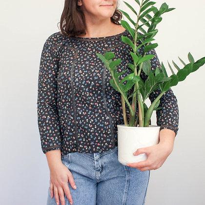 Črna srajca z rožicami