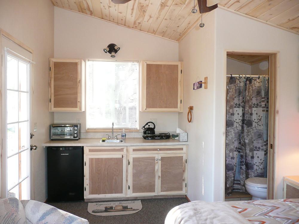 Hermitage cabin kitchen bath