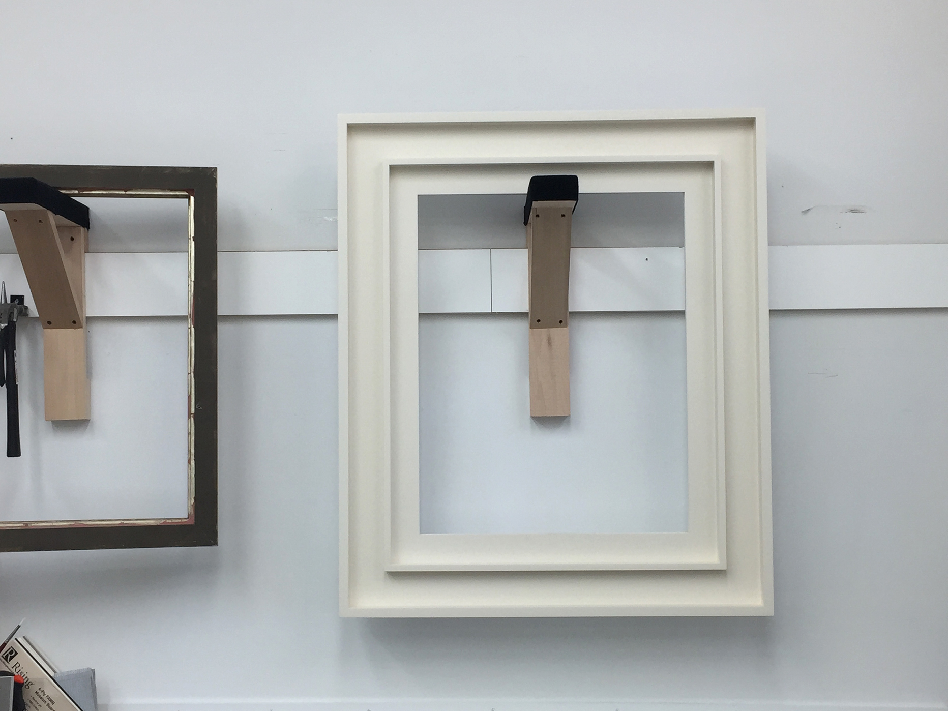 Lowy Contemporary Frames