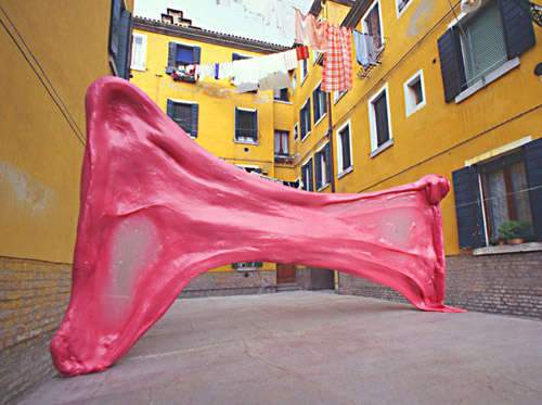 giant bublegum art installation,Chewing in Venice by Simone Decker Makes