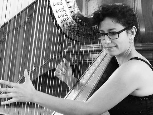 Cecilia-harpiste.jpg