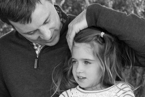 jo bryan photography family photo session outdoors park beach outdoor father daughter rye new york westchester photograher