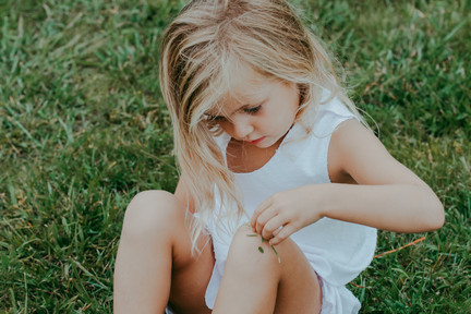 jo bryan photography family young girl blonde hair grass photo session