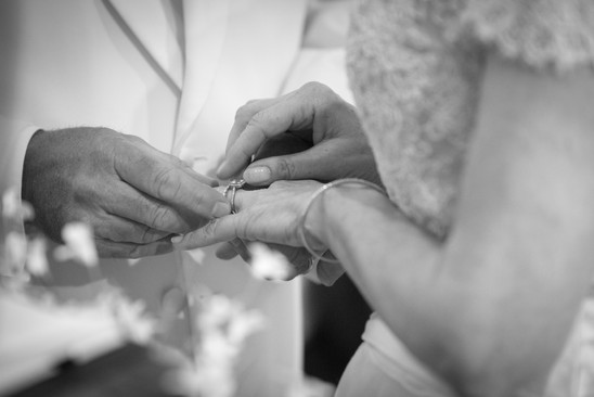Rye NY New York Jo Bryan JoBryan photo photography photos putting ring on finger wedding black and white bride groom