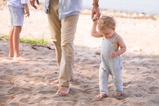 jo bryan photography family photo session outdoors park beach outdoor family rye new york westchester photographer