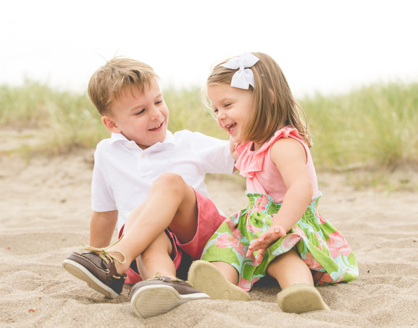 jo bryan photography family photo session outdoors park beach outdoor brother sister laughing rye new york westchester photograher