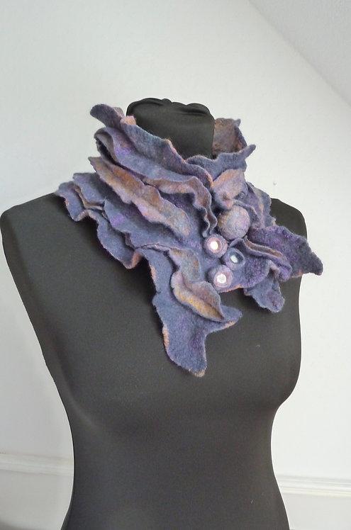 Ruffled Collar - Catherine Slater