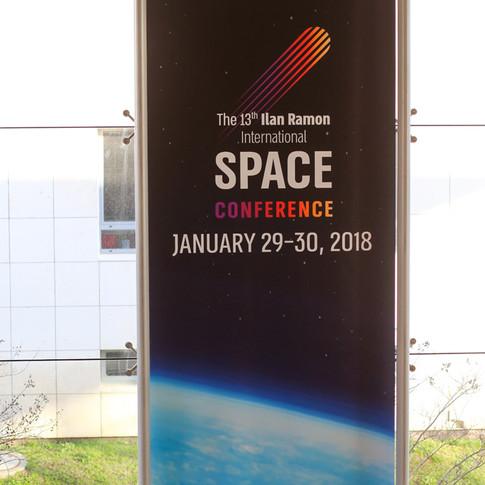 Space_a_001.jpg