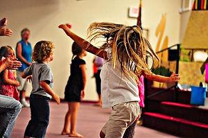 Niños-bailando.jpg